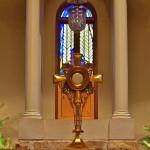 Eucharistic pronouns – It vs Him?